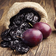 Prunes with plums in small sack (Frank Sellam) Tags: food black closeup glitter fruit table dessert wooden healthy berry purple natural sweet background plum vegetable latvia snack meal vegetarian appetizer dried diet sack culinary burlap foodstuff prune nutritious ingredient vitamin