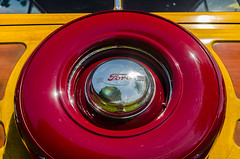 Double duty dandy (GmanViz) Tags: color detail ford window car wheel nikon automobile tire chrome spare hubcap stationwagon 1951 woodie gmanviz d7000
