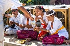 .. Blessing / Bndiction....Bali (geolis06) Tags: geolis06 bali 2015 asie asia indonsie indonsia jimbaran olympusem5 olympus indonesia prire prirebali prayerbali balineseprayer balineseoffering devotionbalinese devotion hindouisme hindu hinduceremony crmoniehindouiste