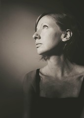 Self portrait, HSS (anek07) Tags: light portrait people woman selfportrait person mono darkness indoor selfie