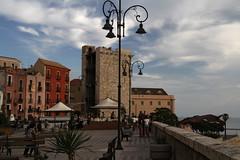 Torre dellElefante, Cagliari (herbert@plagge) Tags: sardegna city italien italy architecture stadt architektur gebude cagliari sardinien stadttor citygate urbancentre torredellelefante