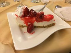 """Trujillo: cheesecake à la fraise ou plutôt cake à la crème fraiche ;) <a style=""""margin-left:10px; font-size:0.8em;"""" href=""""http://www.flickr.com/photos/127723101@N04/27662341610/"""" target=""""_blank"""">@flickr</a>"""