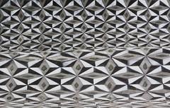 Wave (Herbalizer) Tags: vienna wien detail art austria sterreich stencil mural pattern wave sample stenzil muster welle abstrakt