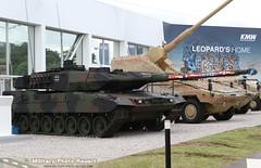 Leopard 2 A7 construit par KMW dsormais partenaire de NEXTER (Model-Miniature / Military-Photo-Report) Tags: 2 de systems caterpillar un international leopard boxer salon bae et patria oshkosh iveco dfense pizarro 2016 155mm scurit kmw eurosatory nexter rheinmetall