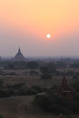 2016myanmar_0410 (ppana) Tags: bagan alodawpyay pagoda ananda temple bupaya dhammayangyi dhammayazika gawdawpalin gubyaukgyi myinkaba wetkyiin htilominlo lawkananda lokatheikpan lemyethna mahabodhi manuha mingalazedi minochantha stupas myodaung monastery nagayon payathonzu pitakataik seinnyet nyima pagaoda ama shwegugyi shwesandaw shwezigon sulamani thatbyinnyu thandawgya buddha image tuywindaung upali ordination hall