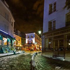 France / Paris / Montmartre / Rue Norvins (Pablo A. Ferrari) Tags: street longexposure sky urban paris france architecture night noche calle arquitectura montmartre urbano francia nuit nocturne parisian parisien ruenorvins leconsulat pabloferrariphotography