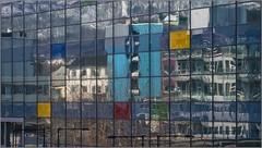 Das Gegenber spiegelt sich im Glas. / The opposite is reflected in the glass (ludwigrudolf232) Tags: fenster spiegelungen