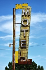 S1 P 500-16  Newberry Springs Motel Sign (calitochicagoc) Tags: route66 neon abandonedmotel oldneon motelneon oldmotelsigns vintagemotelsigns route66california route66newberrysprings oldmotelneon