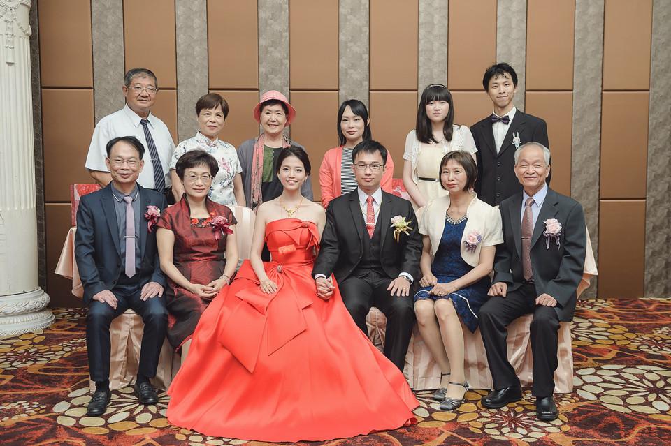 婚禮攝影-台南情定婚宴城堡永康館-25