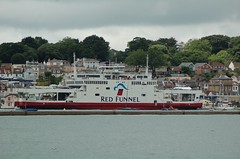 EAST COWES, ISLE OF WIGHT (meddie / aka Gramps) Tags: sea water ferry austin harbour isleofwight solent containership iow eastcowes