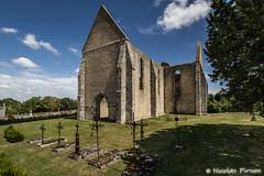 Église Saint-Lubin Yèvre-le-Châtel (Nicolas Pirson (OFF FOR A WHILE)) Tags: blue sky france church architecture site ruins centre villages église ruines beaux classé saintlubin yèvrelechâtel yèvrelaville