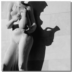 Perfect and flickle profile (Nespyxel) Tags: light shadow blackandwhite bw sculpture woman design donna hungary breast bosom ombra budapest profile perspective projection statua luce prospettiva ungheria scultura seno profilo proiezione otre nespyxel stefanoscarselli magyaroszg