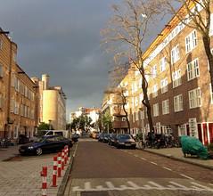 Holendrechtstraat (jpmm) Tags: sky amsterdam clouds bomen wolken autos lucht fietsen zuid paaltjes dreigend 2013