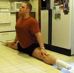 Middle split: Fall 2013 2 (CS87) Tags: male guy yoga pose box side grand center stretch posture split middle stretching splits asana flexibility flexable flexible straddle limber flexability splitz flexibilidad spagat ecart samakonasana maleflexibility