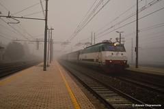 Il notte agli irti colli... (NewRailPhoto) Tags: nebbia tartaruga notte intercity trenitalia ferrovia ronco scrivia roncoscrivia