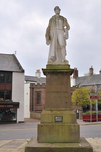 Sir Robert Peel statue, Montrose
