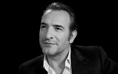 #Paris #JeanDujardin in front my camera #TheMonumentsMen #theArtist (nikosaliagas) Tags: