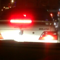 @theniw เคยบอกว่าพวกแผ่นป้ายทะเบียนคิตตี้มักขับรถแย่ แล้วคนที่มีกันดั้มท้ายรถเป็นคนยังไงอะ