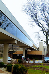 Sinclair Bridge (Deamas Fotografi) Tags: bridge ohio sky tree glass architecture foto overcast oh fade depth dayton sinclair fotografi skywalk sinclaircommunitycollege deamas deamasfotografi deamasfoto