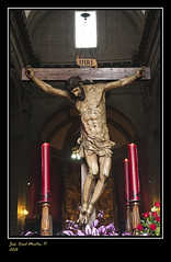 A las puertas (J. Raul) Tags: church catholic cross escultura cruz cristo cristian historia jess castillalen catlico jesucristo cristianismo hollyweek esculturapolicromada valladolidcastillaespaaspainsemanasantapasin cofradanikond300ralpamplonaholly