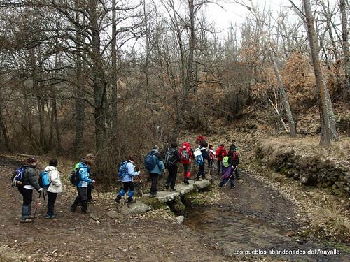 MARCHA-371-los-pueblos-abandonados-valle-de-aravalle-avila-senderismo (2)