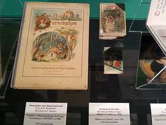 Hansel y Gretel (ciudad imaginaria) Tags: hanselygretel hänselundgretel bibliotecanacional exposición cuentos books book lacasitadechocolate cuentosdecalleja libros