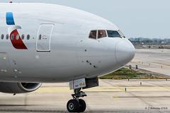 Bye bye - American Airlines Boeing 777 - N783AN (j.borras) Tags: airplane spotting barcelona bcn lebl departing takeoff american airlines aa rwy25r boeing n683an miami kmia salute waving second officer 777
