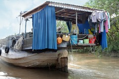 Living at the Mekongriver (Iam Marjon Bleeker) Tags: boat vietnam boathouse mekongdelta mekong mekongriver livingatthemekongriver vpdag111060597g2