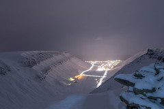 The Night isn't so Dark and full of Terror (Benocrash) Tags: snow norway night pole svalbard arctic neige polar nuit arctique longyearbyen northernmost polaire norvge sarkofagen d7100