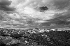 rok-4-002 (Nemo Sischi) Tags: bw montagne monocromo all nuvola cielo castello montagna occhio rocca paesaggio biancoenero colline monti foresta aperto nubi allaperto ciclone uragano boscaglia