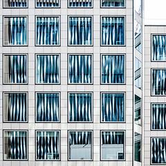 london_2016_29 (john.schneider466) Tags: london struktur spiegelung glas fassade symmetrie