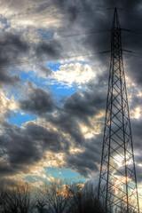 Atmosfere (Alax66) Tags: nuvola cielo azzurro luce rami traliccio