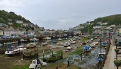 High and dry in Looe (Eddie Crutchley) Tags: england boats outside coast europe cornwall harbour great photographers looe
