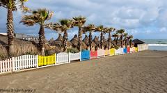 Ostia beach.un attimo di tranquillità (johnfranky_t) Tags: roma beach fence t mare samsung playa plage palme ostia spiaggia lido valla s6 clôture staccionata capanni johnfranky