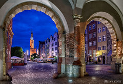 Ulica Dluga from Green Gate in Gdansk (dleiva) Tags: street blue light sunset green tower architecture night gate arch dancing poland arches domingo gdansk polonia leiva dleiva