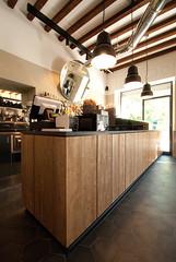 _DSC1171 (fdpdesign) Tags: arredamenti shop design shopdesign nikon d800 milano italy arrdo italia 2016 legno wood ferro sedie tavoli locali cocktails bar interni architettura