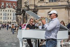 Straenmusik (Thorsten Hansen) Tags: germany deutschland dresden musiker frauenkirche allemagne flgel trompete klavier