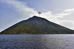 Eolie44 (Pepe_chan) Tags: trip travel blue sea summer italy island volcano nikon italia estate sicily sicilia vulcano eolie stromboli