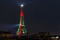 Tour Eiffel portugaise (johandevantoy) Tags: paris france color tower portugal monument foot tour euro couleurs eiffel du nuit aux 2016 portos vertrouge