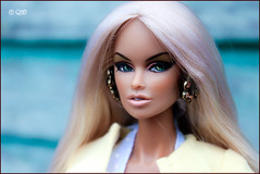 Paola (astramaore) Tags: vanessa beauty fashion toy model glamour doll glow miami longhair tan greeneyes blonde chic royalty tanned whitehair fulllips fashionroyalty straightlonghair