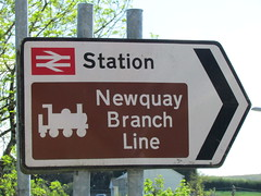Road sign to Luxulyan Station on the 'Newquay Branch Line' - note - not a steam line despite the image! (johnpaddy22) Tags: china uk lines station train cornwall railway clay valley freight dries bugle luxulyan kernick treviscoe