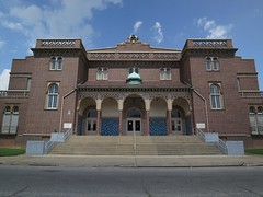 Masonic Temple in East St. Louis (pasa47) Tags: 2013 july eastside eastsaintlouis eastboogie masonic illinois summer