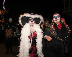 Day of the Dead -SF Mission Nov 2nd 2012 124 (sfmission.com) Tags: sf november souls st project de dead los san francisco rooms day all dia 2nd mission muertos procession 12 marigold 24th 2012