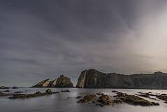 El Silencio por la noche (Adolfo Mtez) Tags: nikon playa cudillero silencio d600 aml elsilencio castañeras gavieru