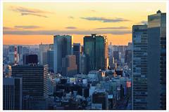 Shiodome Sunset 6424 (kbaranowski) Tags: city sunset urban japan tokyo cityscape sonnenuntergang nippon urbanjungle nihon shiodome tokio citynight megacity zachodslonca urbanasia canon5dii krzysztofbaranowski shiodomeskyscrapers gettyimagesjapan14q1