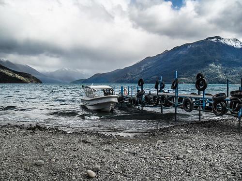 Pequeño muelle en el Lago Puelo - Chubut- Argentina