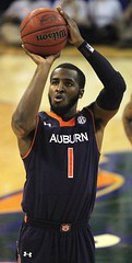 KT Harrell makes Both Free Throws (dbadair) Tags: basketball war university eagle florida gators auburn tigers sec uf 2014