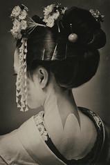 Les Fleurs du Printemps II ( Ogawasan) Tags: japan vintage japanese spring women kyoto asia  kimono asie tradition japon giappone japane traditionaljapan  siapan japonya yaponiya jaapan japonsko       japosk japaska