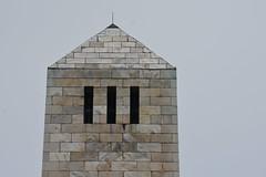 Memorial at Chalmette Battleground (Omunene) Tags: park duck neworleans ibis citypark urbanpark