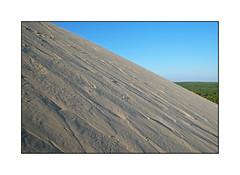 (Brulama) Tags: france dune sable minimal ciel fort pyla gironde